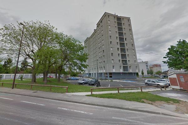 L'immeuble où s'est déclaré l'incendie est divisé en deux adresses.
