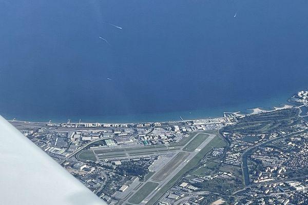 Les riverains d'aéroports accueillant des avions d'affaires, tels Cannes-Mandelieudont le trafic est restésoutenu, ont souffert de nuisances pendant la crise.