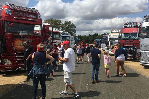 150 camions sont exposés sur la Route 41
