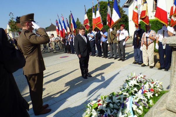Le 26 juillet, la commune de St-Rémy-En-Rollat (Allier) accueillait une cérémonie un peu particulière. Frédéric Marcus, juif hongrois mort en juillet 1944, a été décoré pour son engagement aux côtés de la résistance lors de la seconde guerre mondiale. Soit près de 75 ans après son décès.
