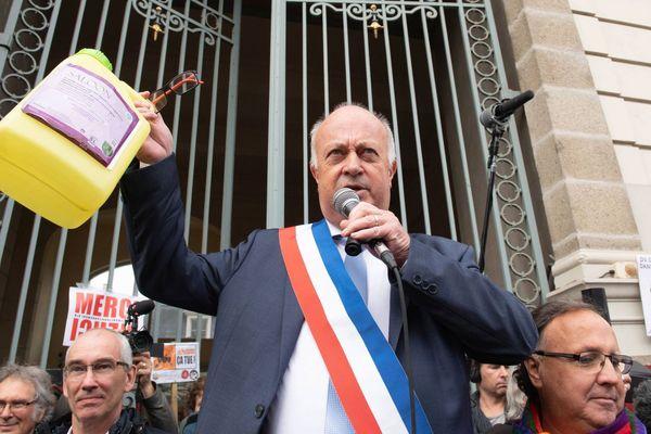 Daniel Cueff , le maire de Langouët devant le tribunal administratif de Rennes le 14 octobre 2019