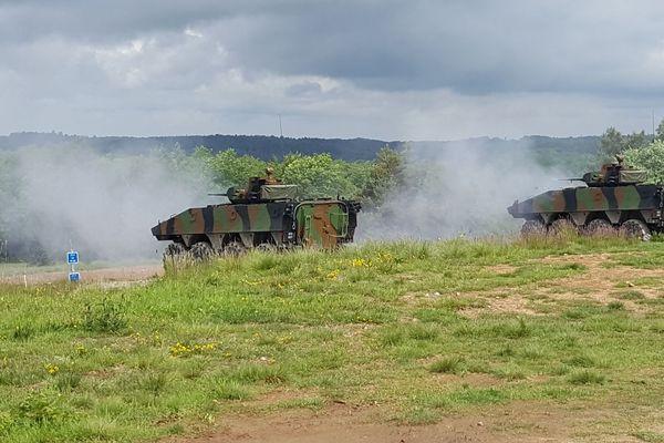 Démonstration de tir sur cible par des véhicules blindés du 1er RI d'Epinal au camp la Courtine. Mai 2018