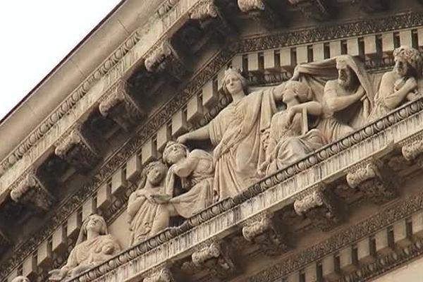 Le fronton de la cour d'appel de Montpellier