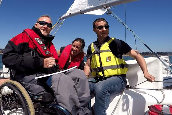 Splashelec permet de barrer un voilier au joystick