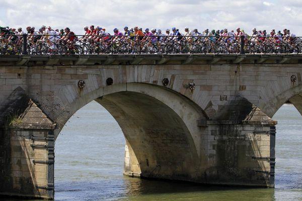 Le Tour de France de passage à Mâcon en Saône-et-Loire en juillet 2012.