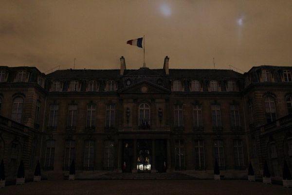 L'Elysée plongé dans le noir le 27 mars 2010 pour la Earth Hour.
