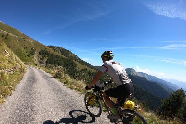 Les ultra-cyclistes de La Baroudeuse sont en autonomie totale tout au long de la course.