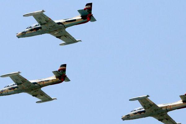 Tous ces métiers sont proposés par l'armée de l'air et sont dans le domaine de la protection, entre autres des bases aériennes.