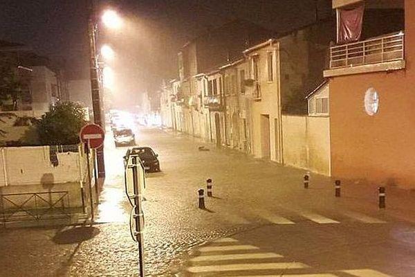 Lunel - des rues de la ville inondées - 21 novembre 2018.