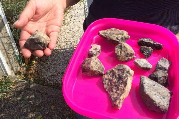 Cailloux, ou météorites ?