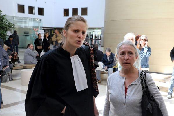 Chantal Raffanel accusée d'avoir inscrit un migrant dans une école avec son avocate lors de l'audience de première instance.