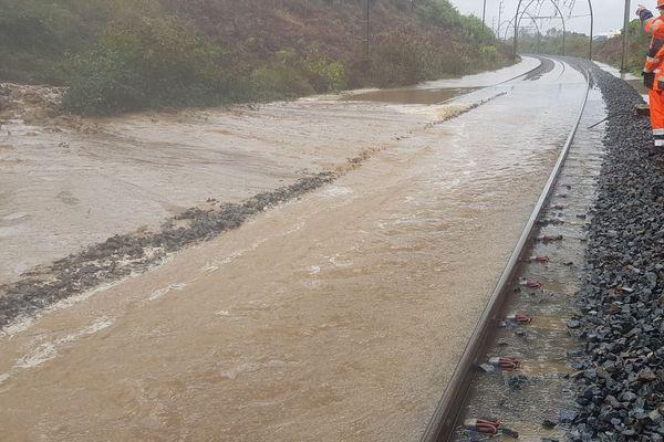Laluque dans les Landes où les voies ferrées ne sont plus praticables depuis la coulée de boue de ce mardi 5 novembre 2019
