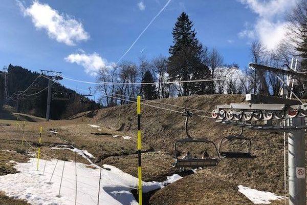 Métabief, lundi 24 février 2020, sans neige...