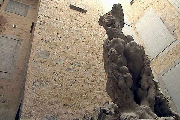 Le faune de 14 tonnes de Paul Dardé au musée de Lodève