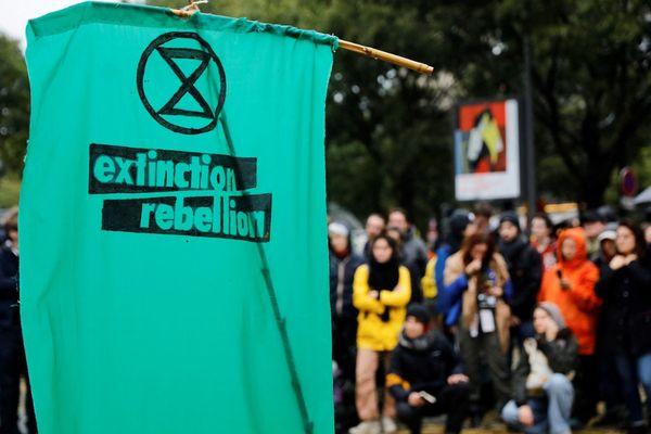 Des militants du mouvement Extinction Rebellion ont bloqué plusieurs sites de cimentiers à Gennevilliers. (Illustration)