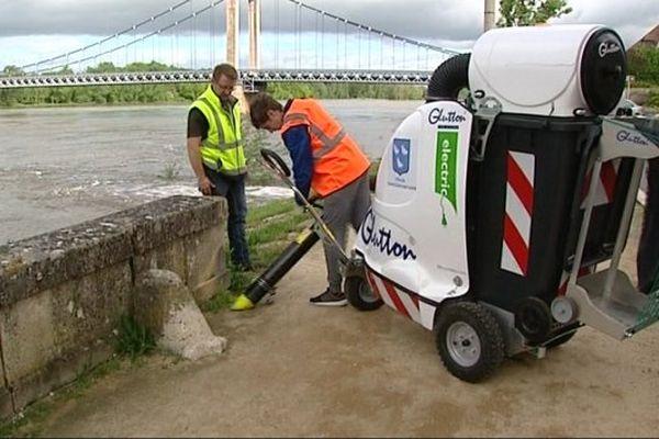 Kévin s'est occupé de l'entretien des espaces verts.