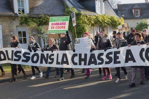 Le collectif AVA lors de son rassemblement à Saint-Jean-aux-Bois en 2018