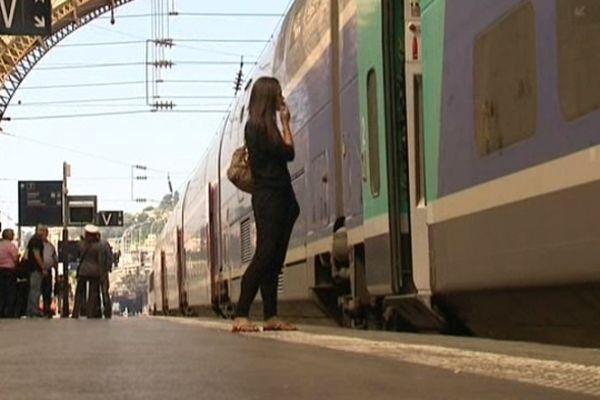 Train TER en gare de Nice (archives)