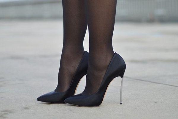 Pour les femmes qui en portent, les talons riment avec confiance en soi