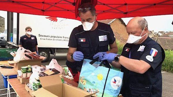 Distribution d'aide alimentaire pendant le Covid-19 à Saint-Yrieix-la-Perche (87)
