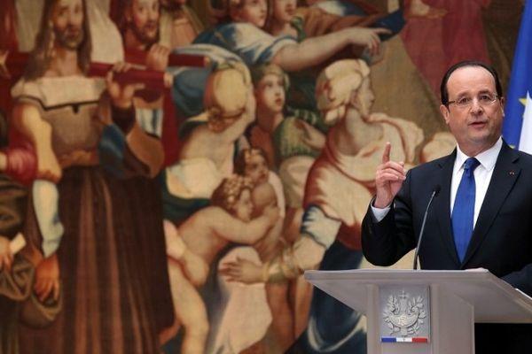 François Hollande présentant ses voeux depuis le palais de l'Elysée. 8 janvier 2013