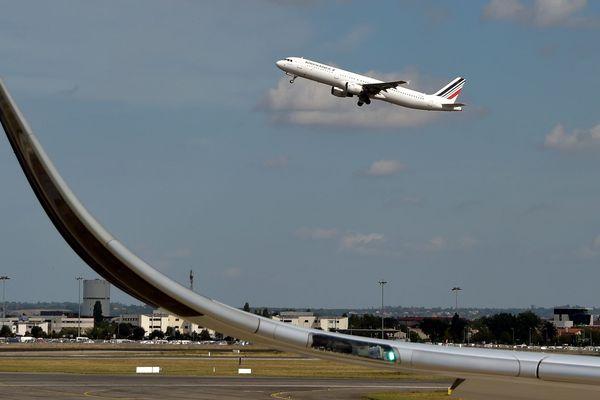 """Des capteurs sonores """"indépendants"""" vont être installés autour de l'aéroport de Toulouse-Blagnac."""