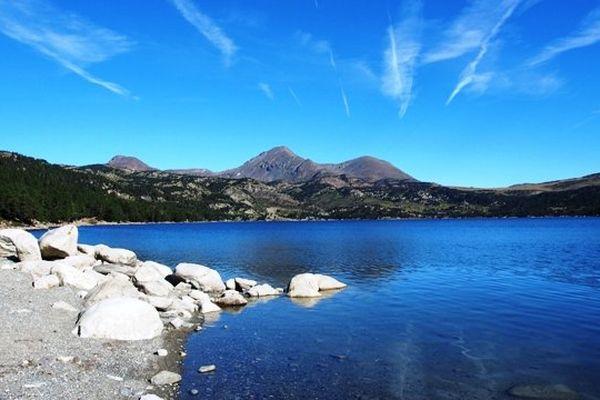 Plus de 100 000 personnes randonnent chaque été au lac des Bouillouses, dans les P.O.