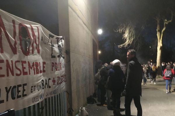 Bac 2020 : blocage du lycée Valin de la Rochelle