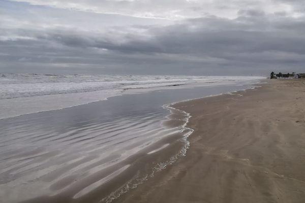 Photo prise lors d'un épisode méditerranéen sur la plage du Grand Travers à la Grande-Motte