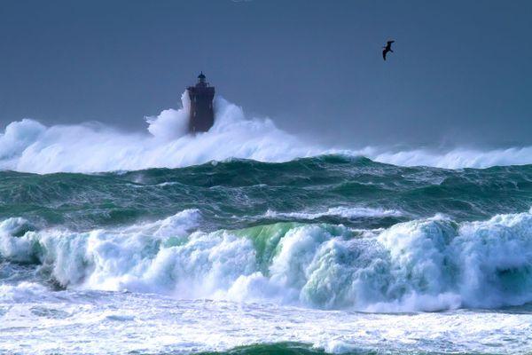 Mer déchaînée sur le phare du Four - Porspoder - Finistère