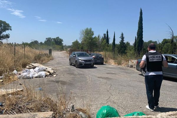 Le corps d'une fillette a été retrouvé dans le Rhône, à la hauteur du chemin de l'île Piot. La Police judiciaire d'Avignon s'est rendue sur place.