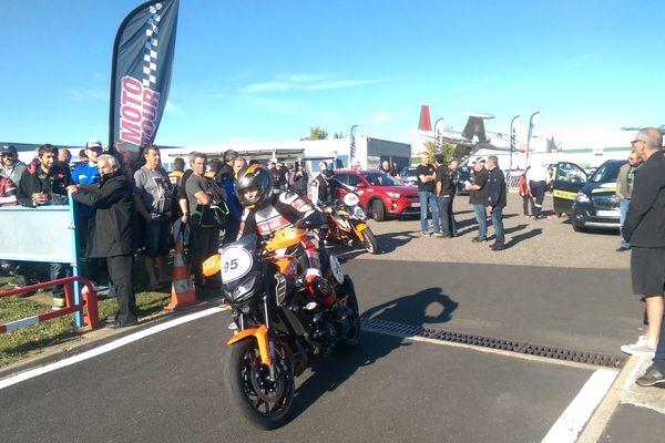 Le Moto tour a pris possession du circuit d'Issoire ce jeudi 12 octobre. Un moment d'endurance et de vitesse pour les pilotes