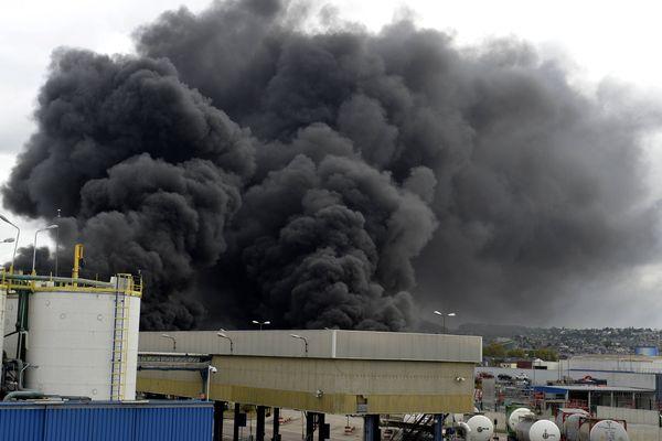 L'incendie de l'usine chimique Lubrizol à Rouen le 26 septembre.