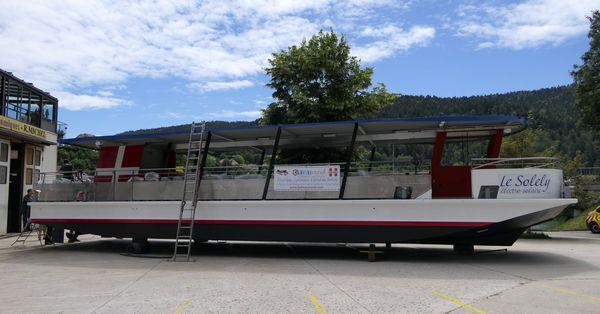 Le Solely bateau éléctro-solaire a été construit à Villers-le-lac.