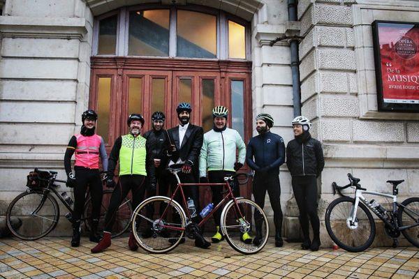 """Dylan Corlay a entamé un """"Tour(s) d'orchestre à bicyclette""""en reliant Vendôme à Tours. 29 décembre 2020"""
