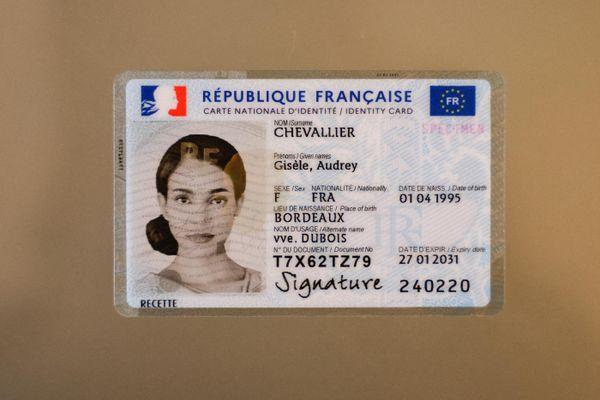 A compter du 2 août, cette carte d'identité plus sécurisée et avec des données biométriques, sera délivrée dans les différents pays d'Europe.
