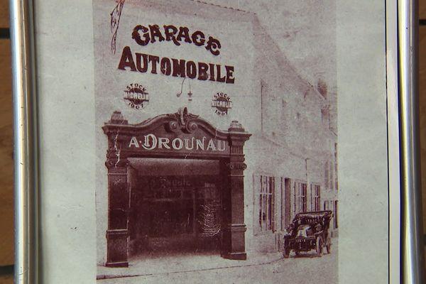 La façade du garage Drounau à Cognac créé en 1900.