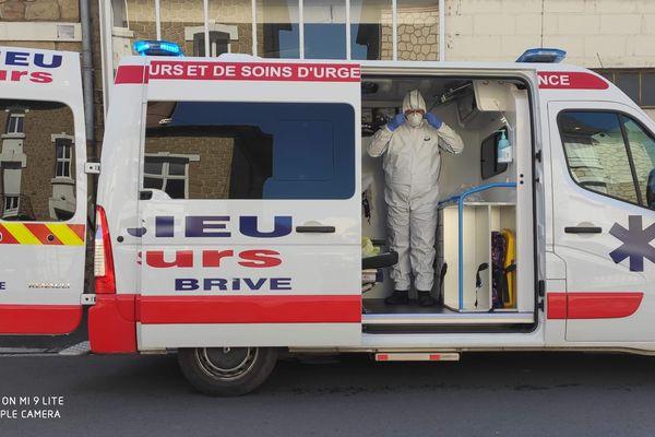 Ambulanciers corréziens formés pour le transport sanitaire covid-19