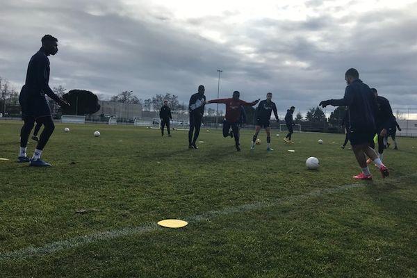 Andrézieux-Bouthéon, ici à l'entraînement, n'ira pas en 32e de finale de la Coupe de France