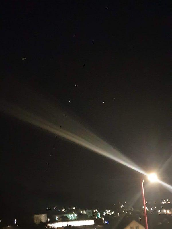 La nuée de satellites dans le ciel du Haut-Doubs mercredi soir, 25 décembre.