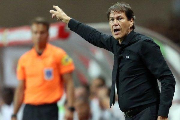 Rudi Garcia donne des directives à ses joueurs pendant la rencontre Monaco/OM