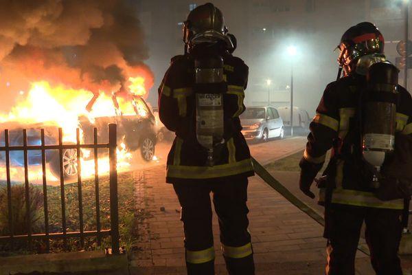 Intervention des pompiers lors de la Saint-Sylvestre à Strasbourg.
