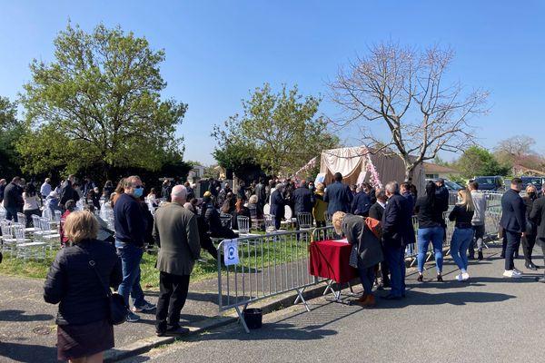 Une cérémonie en hommage à Alicia Faye devant le domicile de ses parents à St-Louis-de-Montferrand. 3/04/21