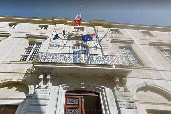 Quatre prétendants pour la mairie de Nîmes lors du second tour des municipales le 28 juin prochain.