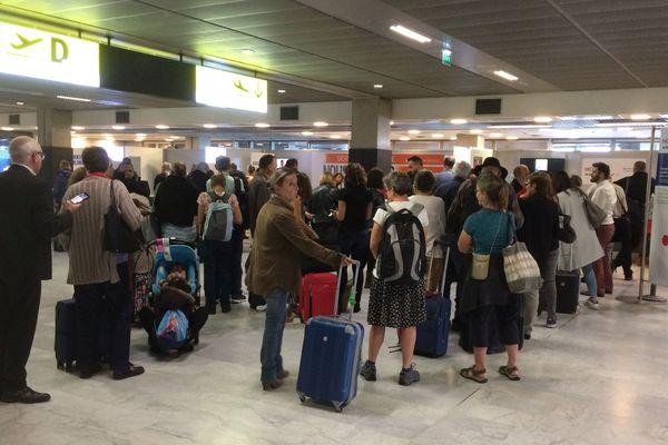 Les vols retardés par la grève des contrôleurs aériens provoquent des files d'attente dans l'aéroport de Blagnac (photo d'archives).