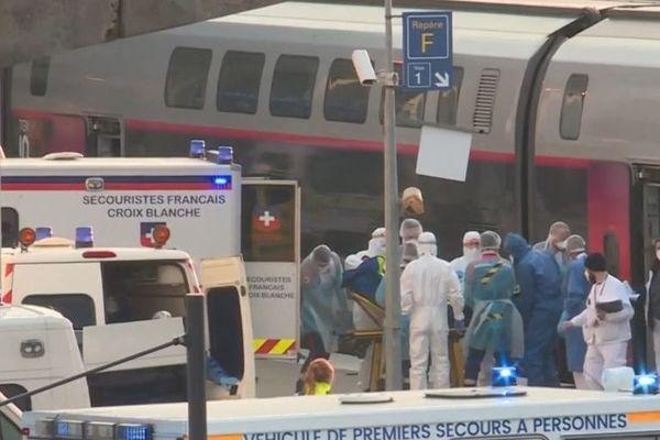 Deux trains médicalisés sont partis ce dimanche matin de Nancy et Mulhouse pour transférer 36 patients vers les établissements de santé de Nouvelle-Aquitaine.