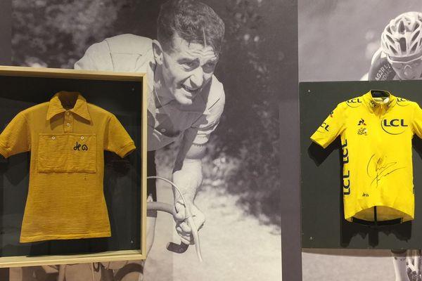 Le maillot de Louison Bobet côtoie celui de Christopher Froome.