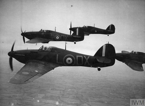 Une formation de Hawker Hurricane photographiée en Irlande du Nord en novembre 1940.