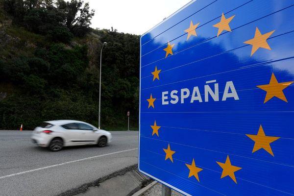 Le double accident a eu lieu à La Jonquera, ville située à la frontière entre l'Espagne et le département des Pyrénées-Orientales.