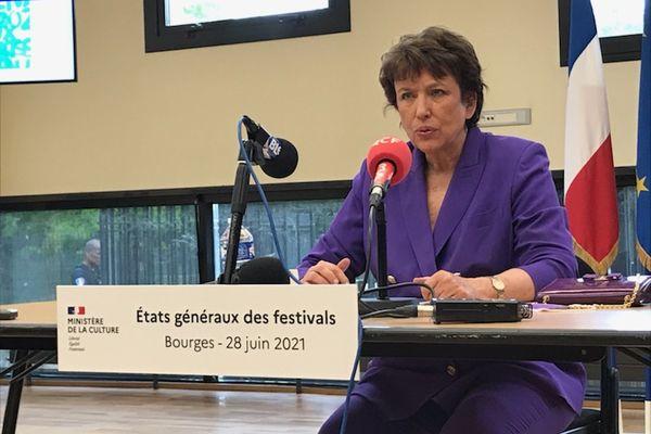 La ministre de la Culture Roselyne Bachelot en déplacement à Bourges pour la seconde édition des Etats généraux des festivals.